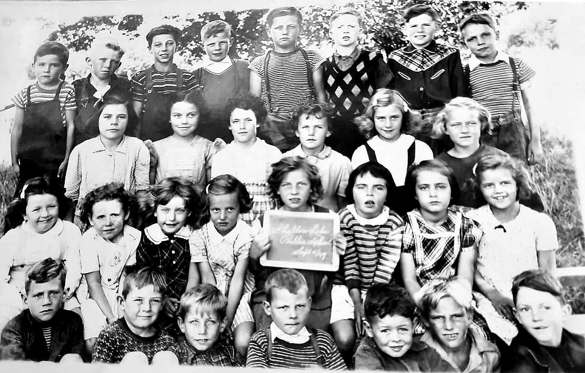 Shallow Lake Public School, 1949, students