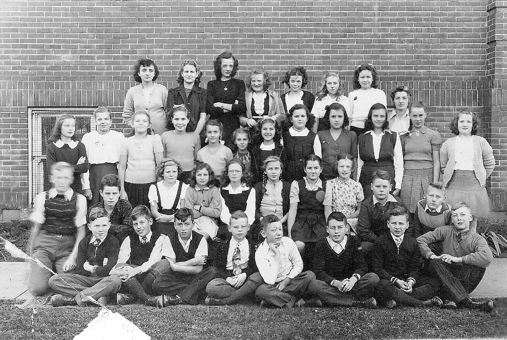 Brampton, McHugh Public School, Grade 7, 1946 class photo
